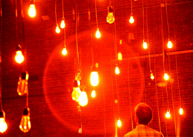 brooklyn-street-art-the-company-stage-jaime-rojo-bring-to-light-nuit-blanche-new-york-2011-10-web-5