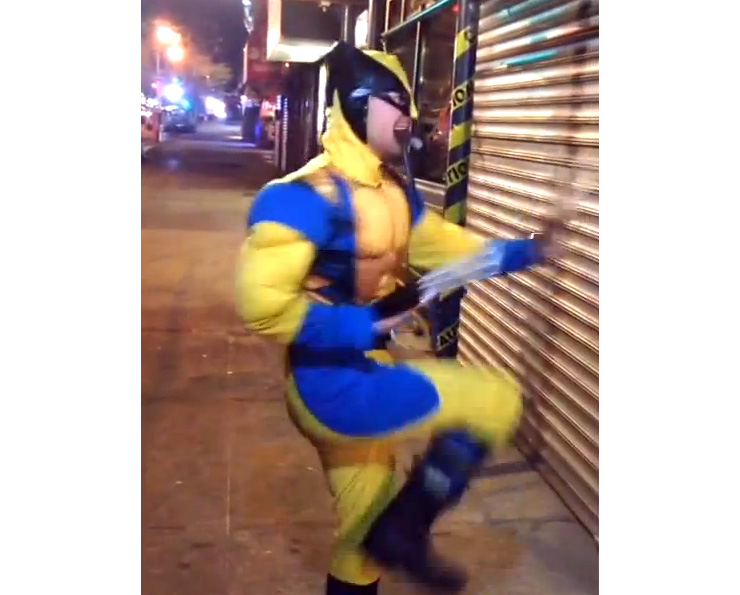 BOO-tilicious Wolverine does Beyoncé : Halloween Street Theater