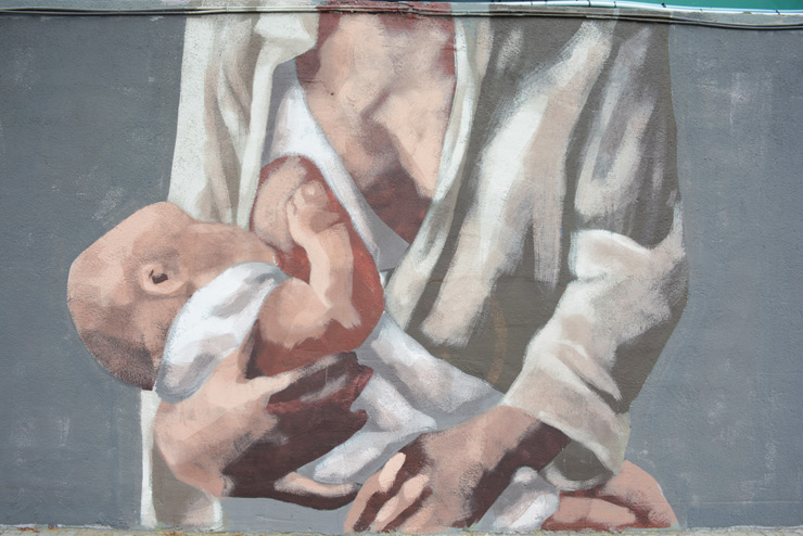 Hyuro's BreastFeeding Mural is Not Provocative in Barcelona