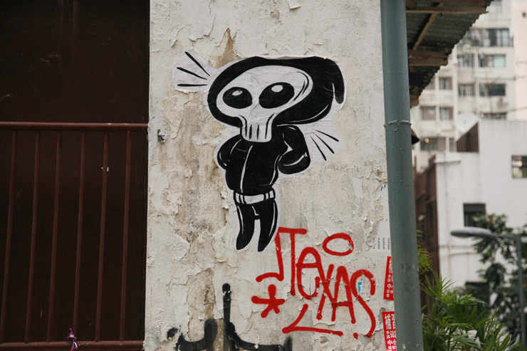 Skulls Reign On the Street and In Art Shows, Threatening and Humble Reminders