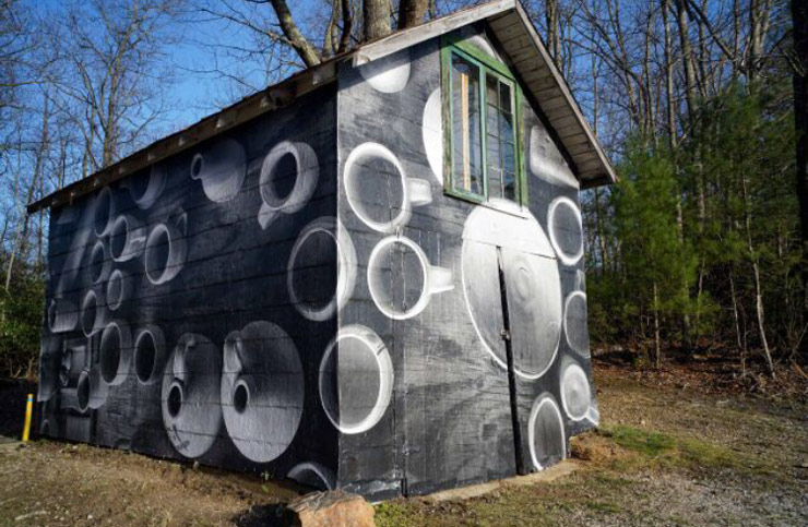 Jetsonorama Wraps a House with Pots in Penland, North Carolina