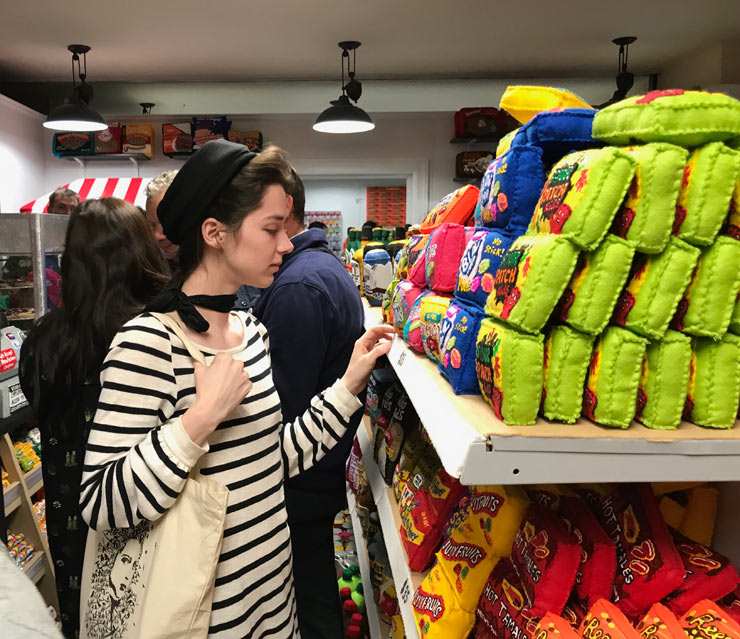 """Lucy Sparrow Opens an All-Felt Bodega in NYC : """"8 'Till Late"""""""
