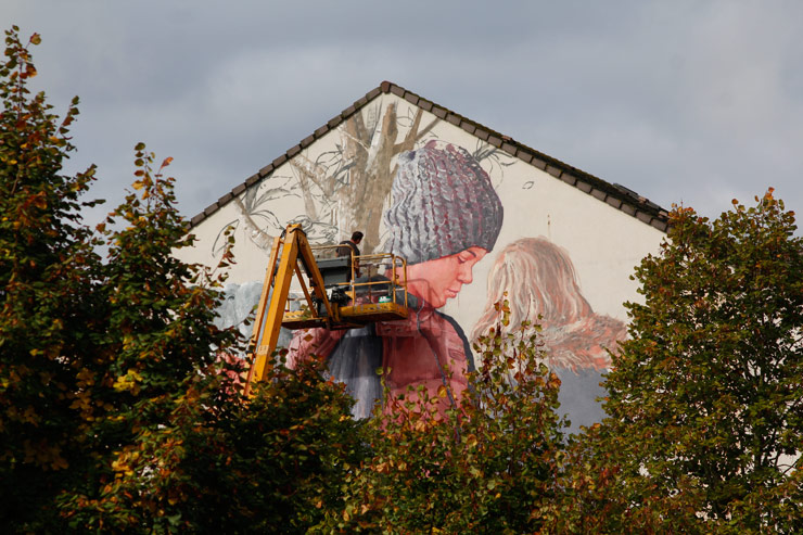 "Fintan Magee and ""Follow the Leader"" in South of Paris"