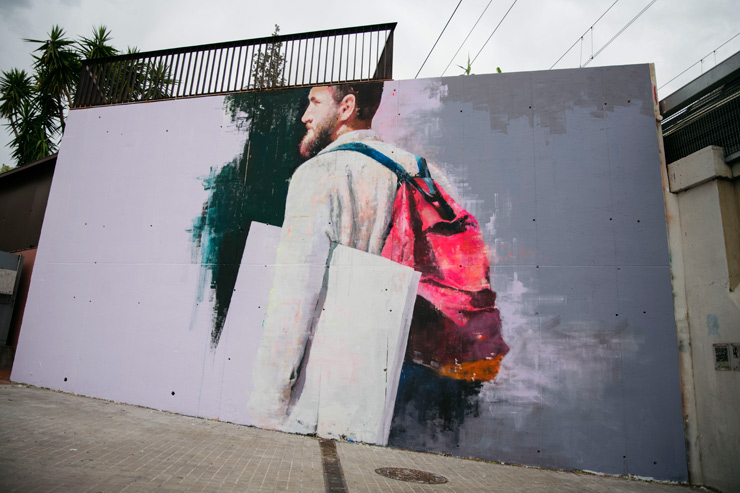 Udane Paints Light and Color, A Guy and His Backpack, for Contorno Urbano